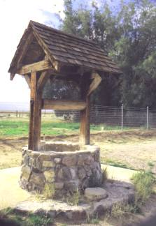 Photos of Old Water Wells http://www.theroadwanderer.net/RT66ca66.htm
